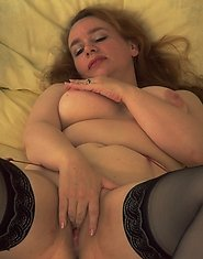 Dildo loving mature slut playing