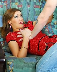 Sex-crazy mature chick and well-hung guy results in her open meaty beaver