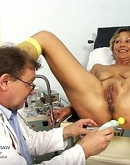Vanda having fun during gyno doctor visit