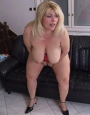 Blonde mature chunky chick playing with herself