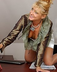 Lusty mature business-lady on the prowl for a young pecker getting crammed